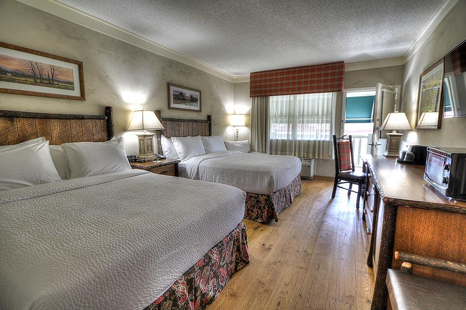 Double Queen Room at Lodge at Five Oaks