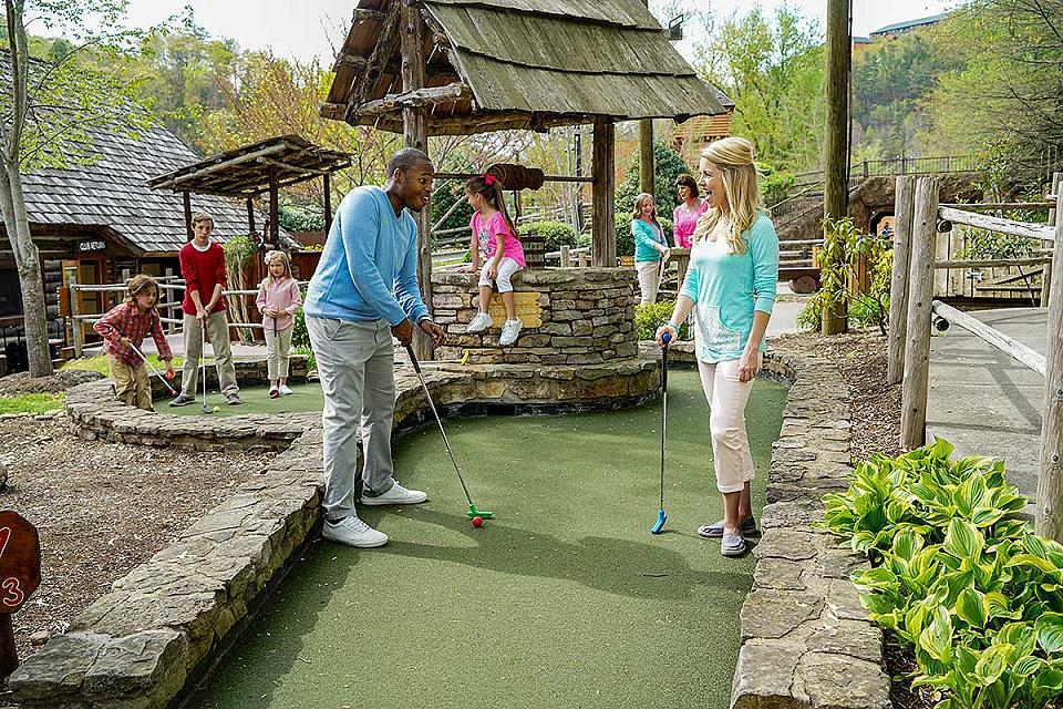 Places to play mini golf in Gatlinburg