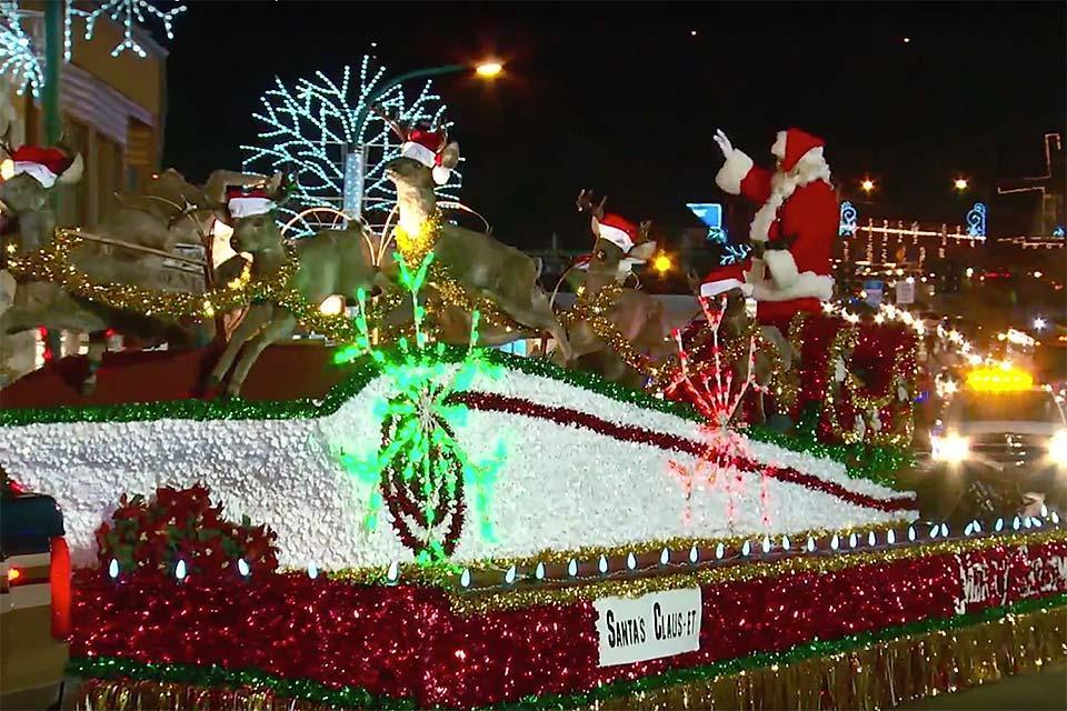 See Santa Claus at the Gatlinburg Parade